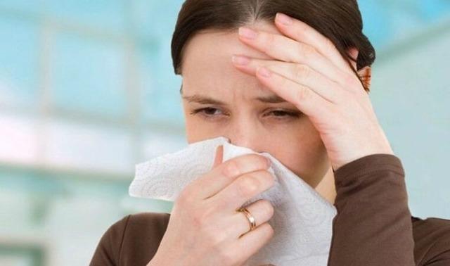 Гнойные сопли и ринит у взрослого и ребенка - как лечить насморк с запахом