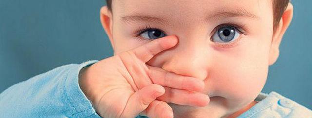 Сопли у новорожденного ребенка – что делать и как лечить насморк