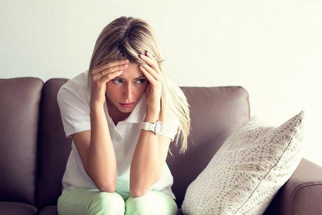 Чувство, что душит горло – причины удушья и трудного дыхания