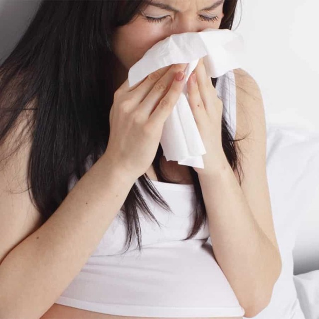 Как избавиться от насморка и заложенности носа за 1 день - способы быстрого лечения