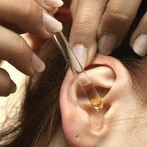 Камфорный спирт в ухо – инструкция по применению и лечение болей закапыванием