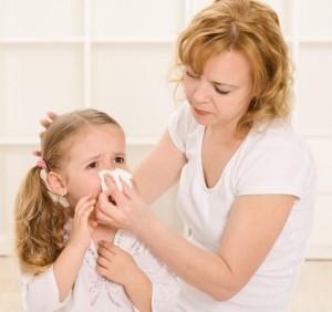 Насморк у грудничка и младенца - сопли в носу у ребенка от 2 до 10 месяцев
