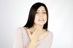 Болит горло с одной стороны при глотании – чем и как лечить