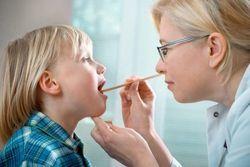 Слизь в носоглотке у ребенка - как убрать и лечение мокроты