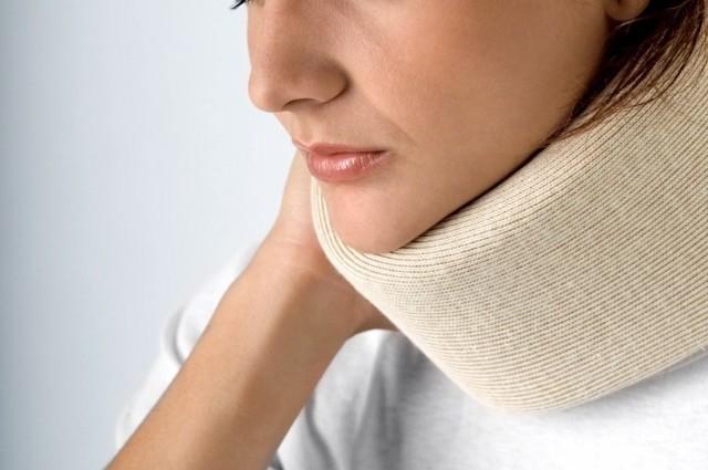 Полоскание горла водкой при ангине для лечения – как можно это делать