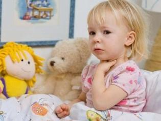 Какими симптомами проявляются болезни горла у детей