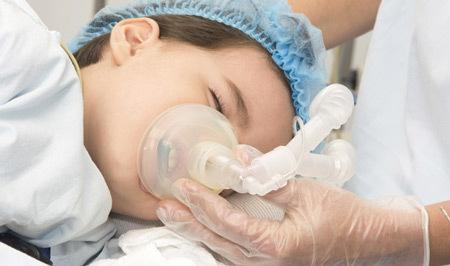 Удаление гланд и миндалин у детей