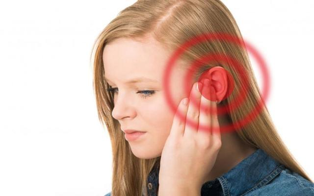 Болит ушная раковина снаружи - причины и лечение