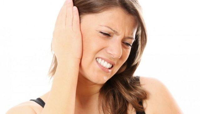 Болячки в ушах у человека: виды, как и чем лечить