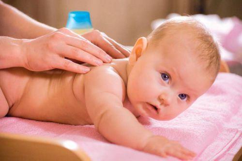 Кашель у грудничка и новорожденного ребенка от 1 месяца до года
