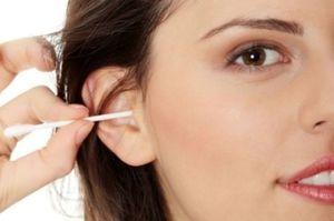 Почему чешутся уши снаружи - причины зуда в ушной раковине