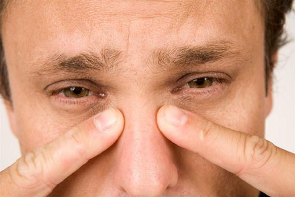 Что делать, если болят лобные пазухи - причины и лечение