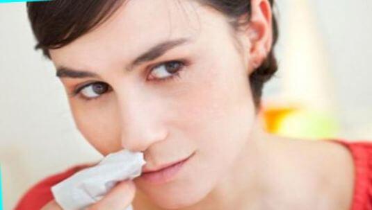 Что означает цвет соплей – какого вида должны быть выделения из носа