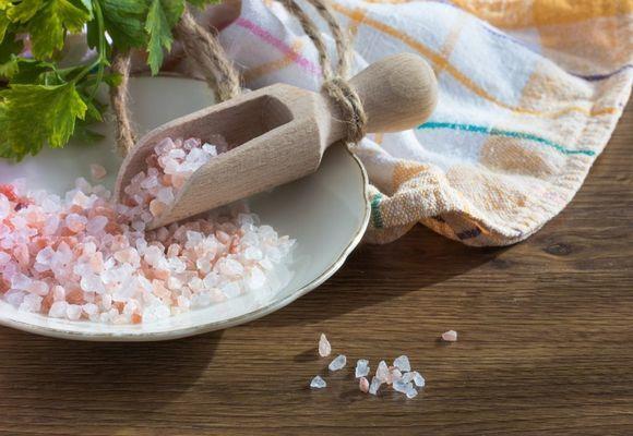 Можно ли греть нос при насморке солью - как правильно прогревать