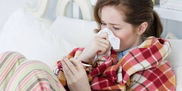 Болят гланды и миндалины – симптомы