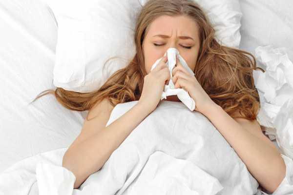Почему ночью закладывает нос у взрослого - не дышит в положении лежа