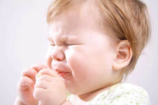 Как лечить кашель у грудничков – что делать, если ребенок до года