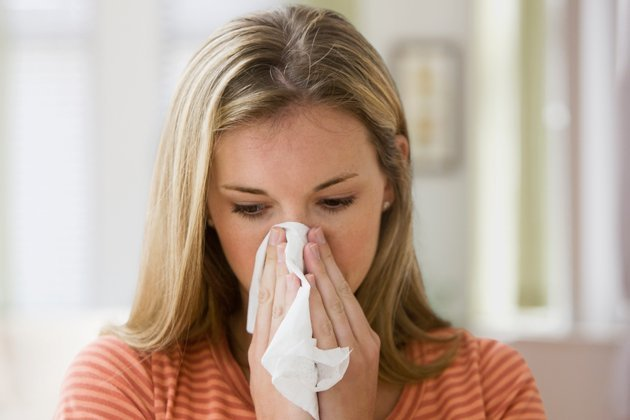 Зуд и свербит в носу - почему чешется нос внутри