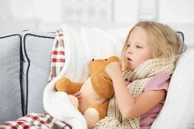 Насморк, кашель и сопли без температуры у ребенка – причины и лечение
