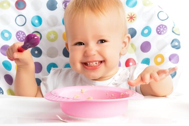 Чем лечить красное горло у грудничка – лекарства и препараты для детей до года