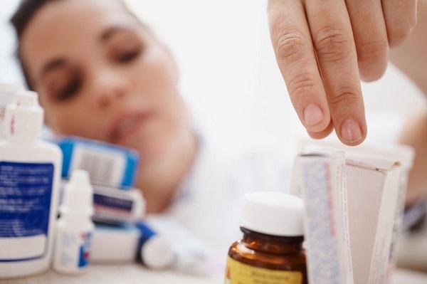 Антибиотики при ларинготрахеите у взрослых – список препаратов для лечения