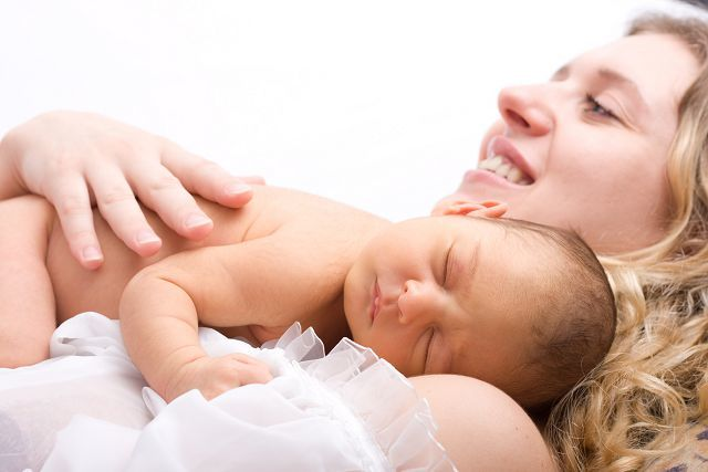 Капли в нос от насморка для новорожденных - что можно капать