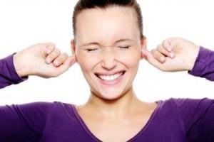 Почему шумит в ушах – причины шума и от чего гудит правое и левое ухо