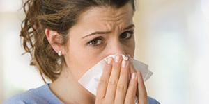 Чем промывать нос - средства и растворы для полоскания при насморке дома