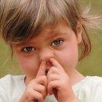 Козявки в носу – откуда они берутся и почему постоянно образуются