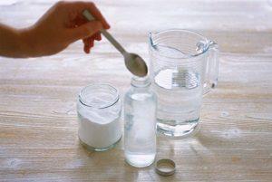 Полоскание горла содой и солью при ангине – как можно это делать
