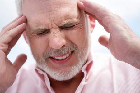 Больно глотать с левой стороны – боль в горле