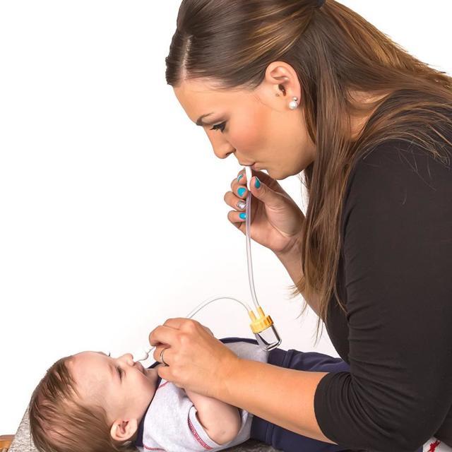 У ребенка ночью закладывает и не дышит нос - причины и действия