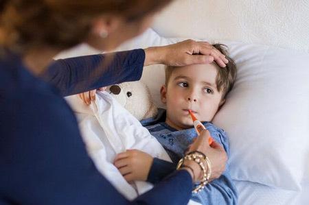 Как и чем лечить воспаление миндалин и гланд у ребенка