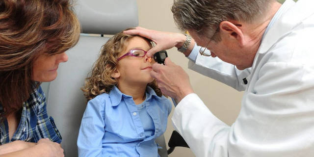 У ребенка часто идет кровь из носа - что это значит и что делать