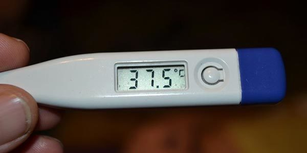 Температура при отите – сколько дней держится и как её сбить