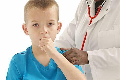 Мокрый влажный кашель у ребенка – сколько длится и что делать