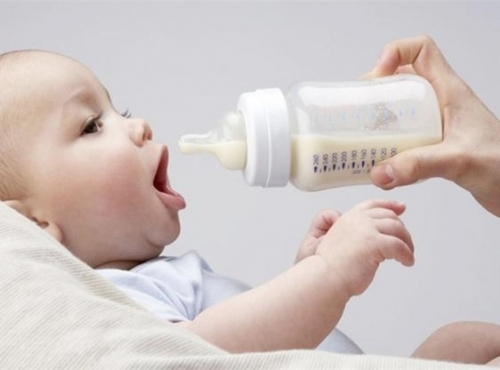 Признаки и симптомы отита у грудного ребенка – как определить воспаление у новорожденного