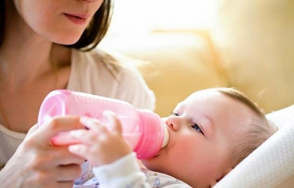 Как и чем лечить ангину кормящей маме при грудном вскармливании