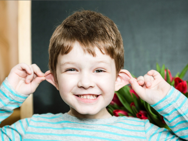 Что делать если торчат уши – как избавиться от лопоухости