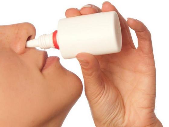 Как остановить кровь из носа у ребенка в домашних условиях (первая помощь)