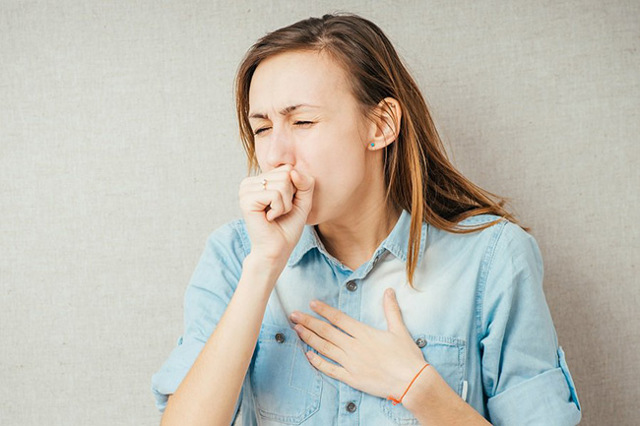 Сухой кашель при фарингите - почему долго не проходит и лечение