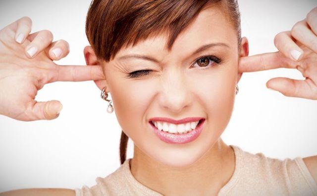 Что делать если чешутся уши - причина и лечение зуда народными средствами