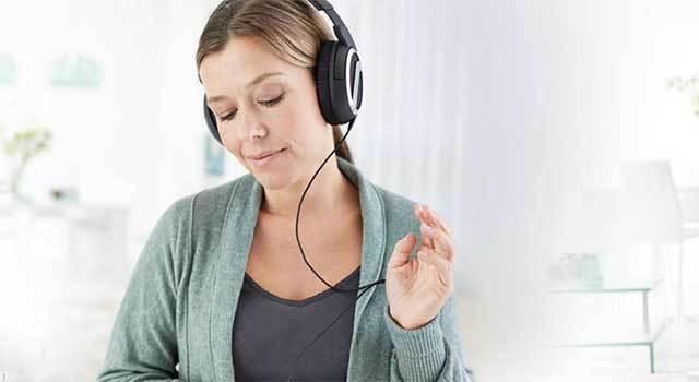 Почему звенит в ушах и голове – причины звона в левом и правом ухе