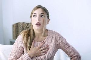 Болит горло и белый или жёлтый налёт на языке