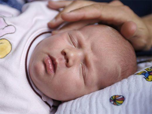 Холодный нос у ребенка и новорожденного на улице на прогулке