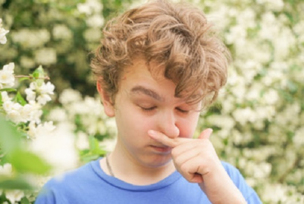 Чем и как лечить ребенка, если заложен нос, но соплей и насморка нет