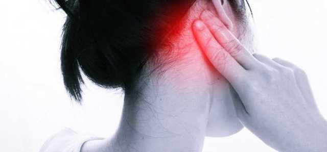 Болит за ухом - что делать при болях справа и слева
