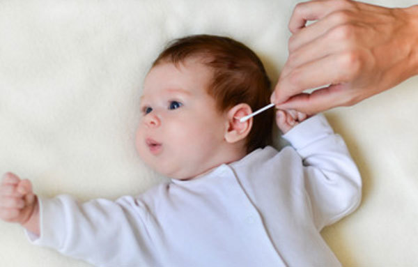 Серная пробка в ухе у ребенка – что делать и как ее убрать