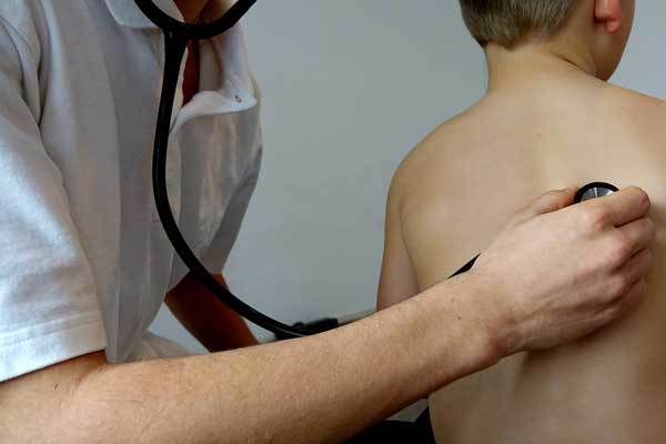У ребенка не проходит долгий влажный кашель – затяжной и длительный