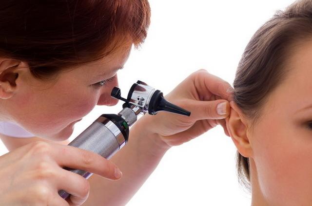 Что делать, если болит ухо внутри — причины и лечение сильной боли